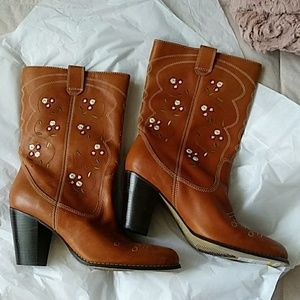 Seychelles Embroidered Western Boots 10